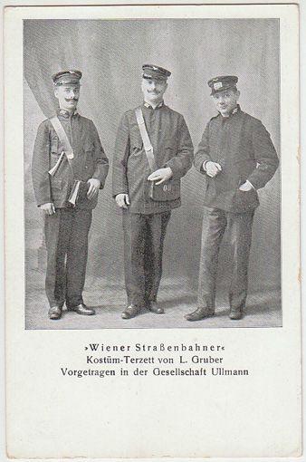 """""""Wiener Straßenbahner"""" Kostüm-Terzett von L. Gruber. Vogetragen in der Gesellschaft Ullman."""