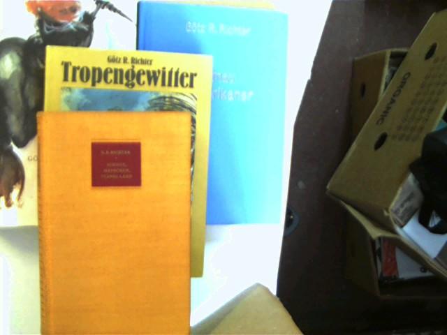"""Sammlung von 4 Bücher des deutschen Autors Götz R. Richter: 1. """"Schiffe, Menschen, fernes Land"""" (1959) / 2. """"Tropengewitter"""" (1982) / 3. """"Kamau der Afrikaner"""" (Bibliotheksexemplar) (1977) / 4. """"Die Löwen kommen"""" (1973), , Konvolut, Bücherpaket, , Konvolut Bücherpaket, Erzählungen, 1x 3., 1x 4. und 1x 7. Auflage, beim 2. Buch Buchecken gering angestoßen, beim 3. Buch Aufkleber auf der vorderen Deckelinnenseite, Stempel auf der vierten unbeschriebenen Seite und Aufkleber auf der letzten unbeschriebenen Seite, beim 4. Buch Stempel auf der Titelseite, ansonsten gute Exemplare,"""