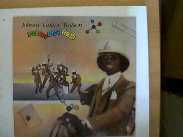 """Johnny """"Guitar"""" Watson and the Family Clone, Platte mit geringen Kratzern, Hülle mit wenigen leichten Gebrauchsspuren, ansonsten guter Zustand,"""