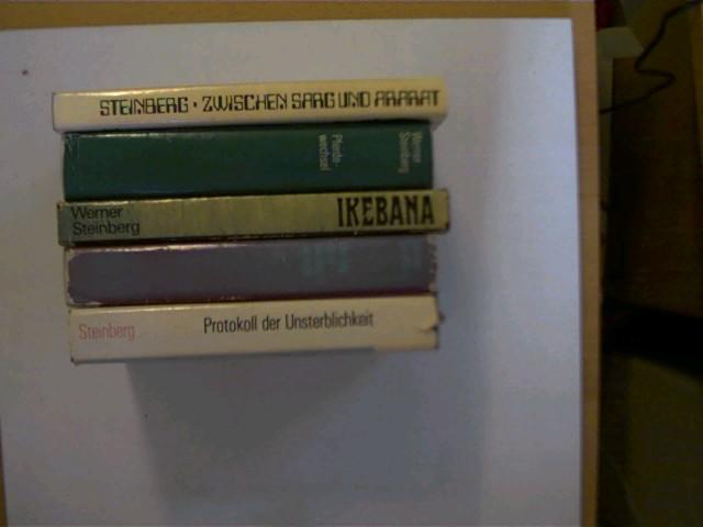 5 Bücher vom Autor Werner Steinberg  in dieser seltenen Sammlung: 1. Zwischen Sarg und Ararat, 2. Pferdewechsel, 3. Ikebana, 4. Der Tag ist in die Nacht verliebt, 5. Protokoll der Unsterblichkeit, , Konvolut Bücherpaket, Schutzumschläge mit einigen teils leichten Gebrauchsspuren, bei einem Buch wenige Seiten mit einer Knickspur, ansonsten altersentsprechend gute Exemplare,