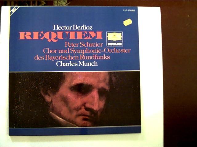 Requiem; Peter Schreier, Chor und Symphonie-Orchester des Bayerischen Rundfunks, Charles Munch; Hülle guter Zustand und mit kl. Aufkleber, Schallplatten sehr guter Zustand,