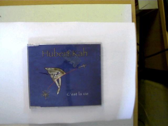Hubert Kah - C´est la vie, Hülle mit einigen Gebrauchsspuren, CD mit vielen leichten Kratzern, ansonsten Zustand O.K.,
