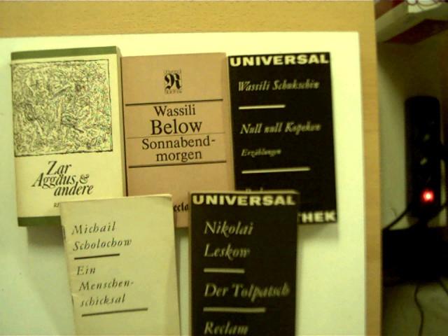 """5 Bücher aus der Reihe """"Reclams Universal Bibliothek"""" zum Thema russische Autoren in dieser seltenen Sammlung: 1. Wassili Below - Sonnabendmorgen (Band 1112), 2. Nikolai Leskow - Der Tolpatsch (Band 759), 3. Zar Aggäus und andere (Band 758), 4. Michail Sc"""