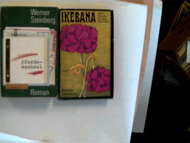 2 Bücher von Werner Steinberg in dieser seltenen Sammlung: 1. Ikebana oder Blumen für den Fremden, 2. Pferdewechsel, , Konvolut Bücherpaket, einige leichte Gebrauchsspuren, Schutzumschlag leicht berieben/Ecken bestoßen, Seitenschnitt leicht angeschmutzt, ansonsten altersentsperechend gute Exemplare,