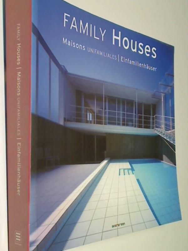 Family houses = Maisons unifamiliales = Einfamilienhäuser. Evergreen