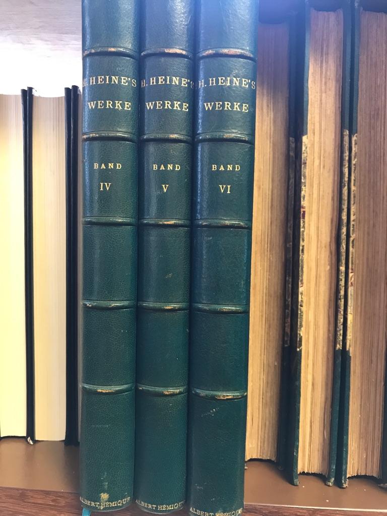 27 Bände. Hrsg. von Friedrich Bodenstedt, H. Düntzer, J.G. Fischer, Heinrich Laube u. a. Illustriert von ersten deutschen Künstlern. 1. Shakespeares sämmtliche Werke in 4 Bdn. -  2. Goethes Werke in 5 Bdn. -  3. Schillers Werke in 4 Bdn. -  4. Lessings Werke in 3 Bdn. -  5. Körners Werke in 2 Bdn. -  6. Hauffs Werke in 1 Band. -  7. Lenaus Werke in 2 Bdn. -  8. Heines Werke in 6 Bdn. Mischauflagen.