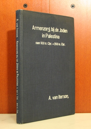 Armenzorg bij de Joden in Palestina van 100 v. Chr. - 200 n. Chr. Proefschrift aan de Rijks-Universiteit te Leiden.