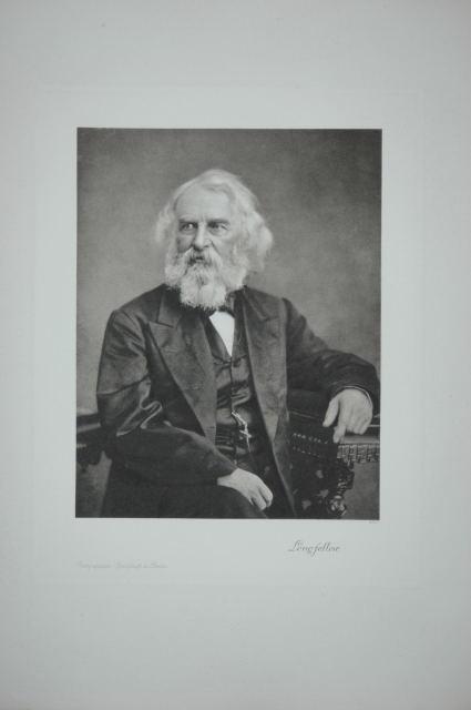 Henry Wadsworth Longfellow (geb. 27. Februar 1807 in Portland, Massachusetts; † 24. März 1882 in Cambridge, amerikanischer Schriftsteller, Lyriker, Übersetzer und Dramatiker). Porträt nach einer Photographie. Originale Photogravüre (Heliogravüre).