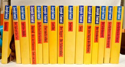 Gesammelte Werke in Einzelbänden. 15 Bände der Reihe. Mit den Augen des Westens (1967) / Der Freibeuter (1969) / Der Geheimagent (12.-14. Tsd 1984) / Geschichten  vom Hörensagen (1983) / Geschichten der Unrast und Sechs Erzählungen (8.-10. Tsd. 1984) / Lord Jim (13.-17. Tsd 1983) / Der Nigger von der Narzissus / Die Schattenlinie (1971) / Nostromo (2. Aufl. 1982) / Sieg (1963) / Spannung (4.-5. Tsd. 1982) / Der Spiegel der See (2. Aufl. 1973) / Spiel des Zufalls (1984) / Jugend / Das Herz der Finsternis / Das Ende vom Lied (1968) / Im Wechsel der Gezeiten (1983) / Über mich selbst (1965) / . Mischaufl.
